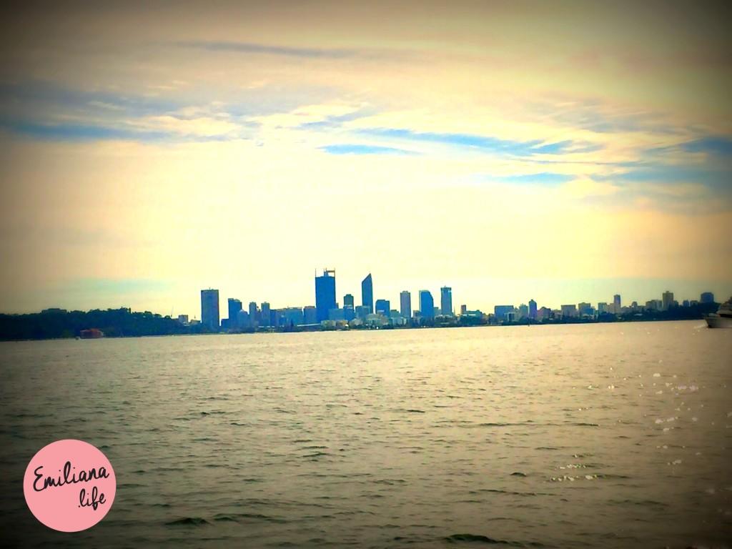 61 cidade de longe swan river