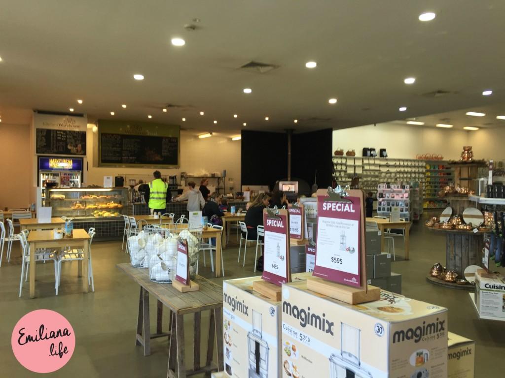 92 cafe kitchen warehouse