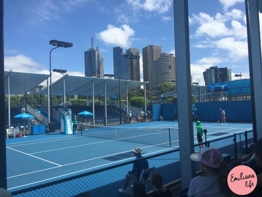 115 quadra tenis adolescentes