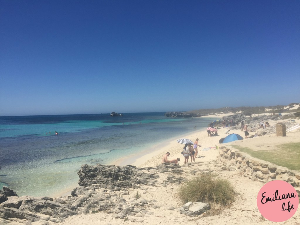 237 praia e pedras mar